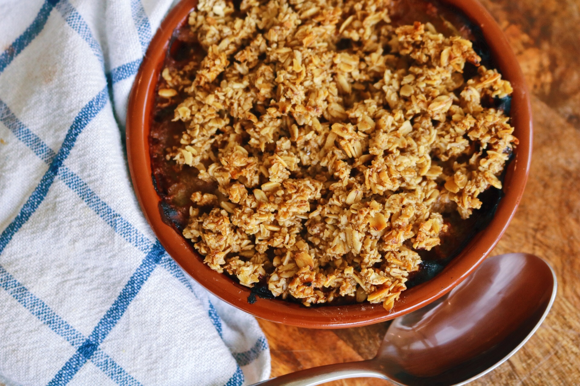 Apple crumble baked pot and spoon