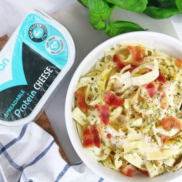 Low fat, low calorie, high protein spreadable cheese in carbonara