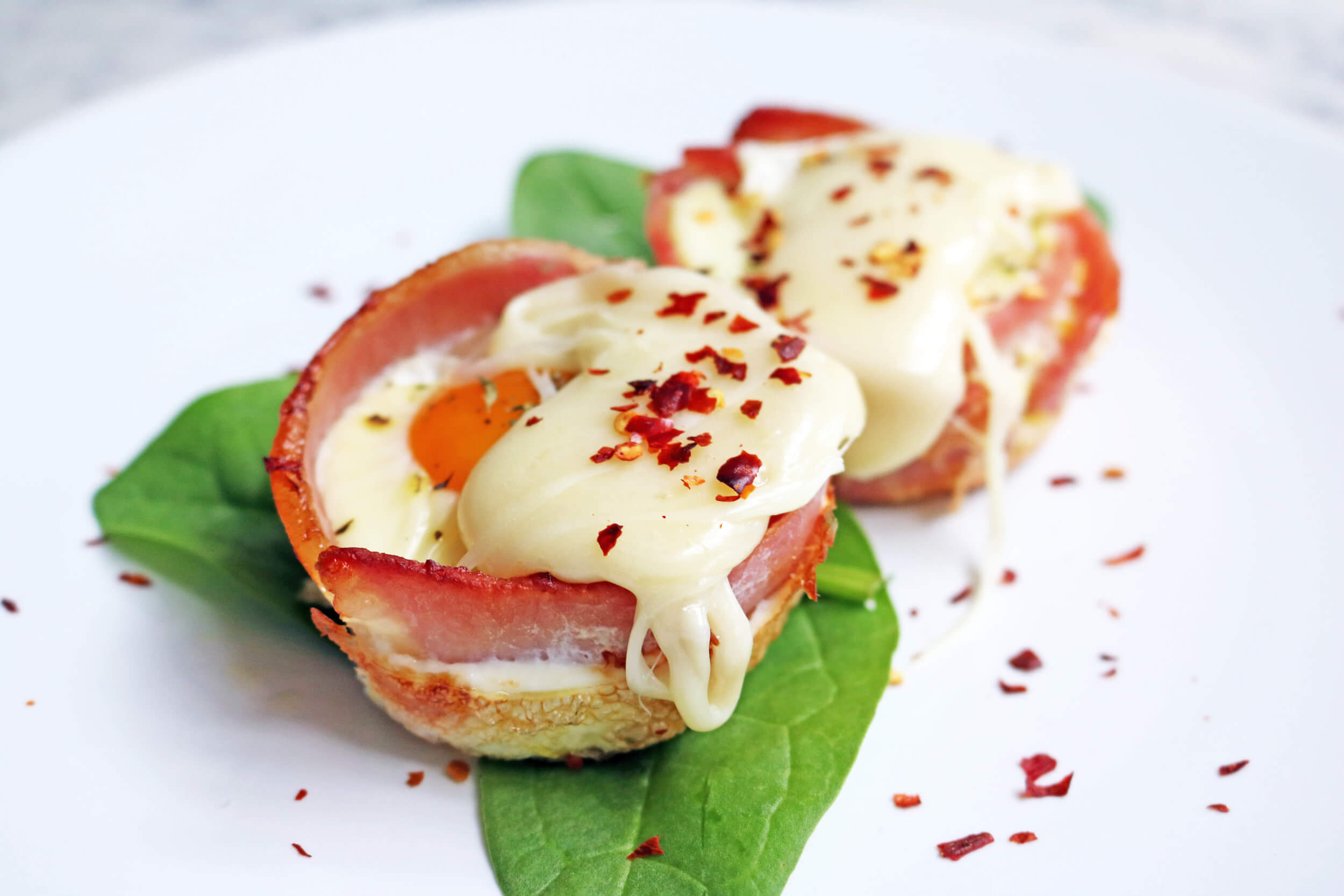 High protein breakfast cups with egg and bacon